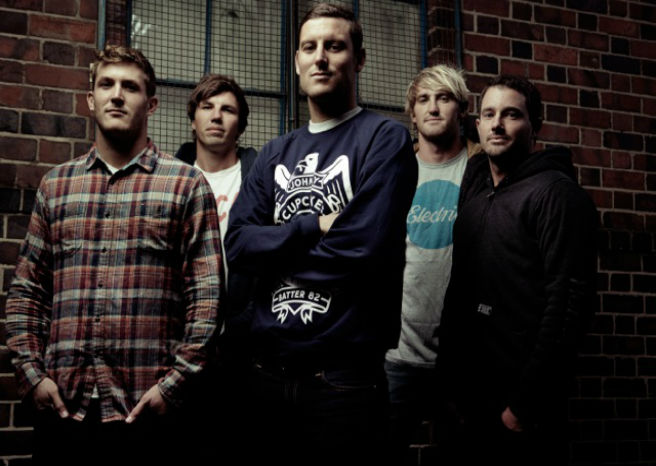 PARKWAY DRIVE RELEASE NEW SINGLE DARK DAYS