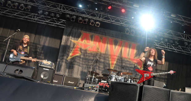 Anvil at MetalDays 2015. Photo by Victoria Purcell.