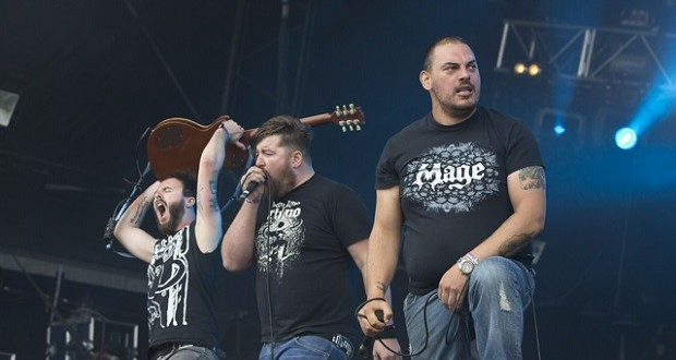 Raging Speedhorn performing at Bloodstock 2015. Photo by Mark Lloyd.