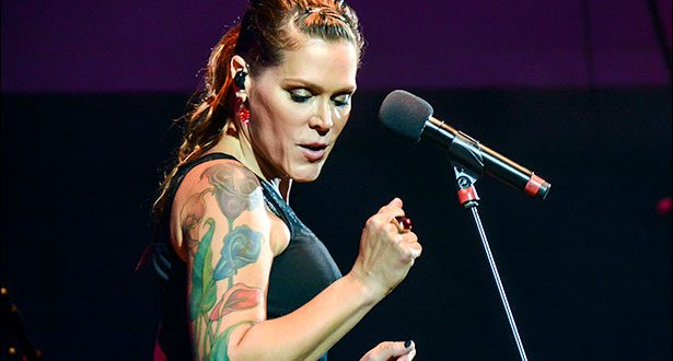 Beth Hart photo by Liz Aiken