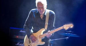Robin Trower photo by Simon Jay Price
