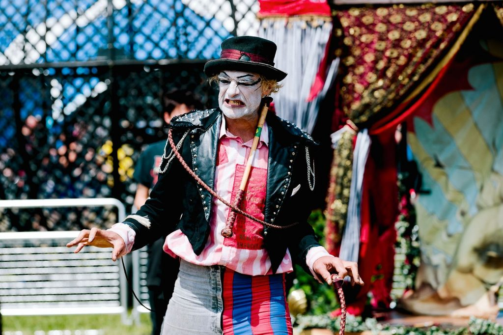 circus_of_horrors1