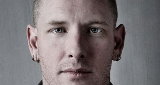 Corey Taylor collaborates with Nostalgia Critic for Pink Floyd parody.