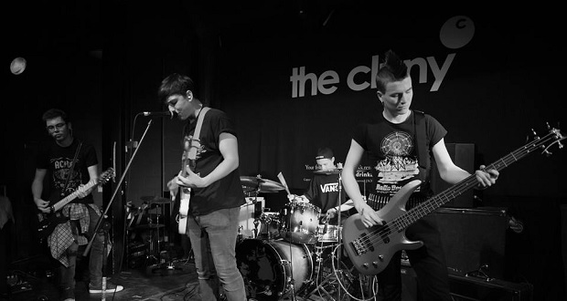 Unsigned Band Of The Week: Holding Out