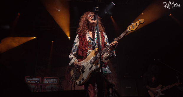 For the first time since 1976 Glenn Hughes plays all the Deep Purple's classics and his performance is second to none
