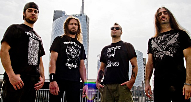 Extrema go back to business as usual with 'Headbanging Forever'