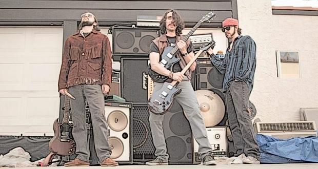 Salem's Bend explore fuzzy sounds on 'Supercluster'