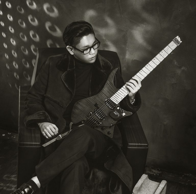 Korean Guitar Hero Rhy Dongju in the Lions'den III: Arium