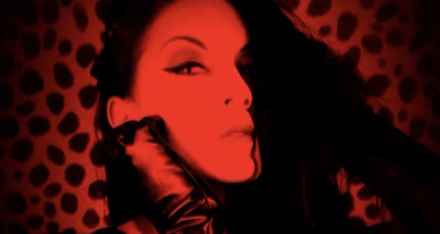 Horror scream Queen Dani Thompson to release rock album 'Vamp'