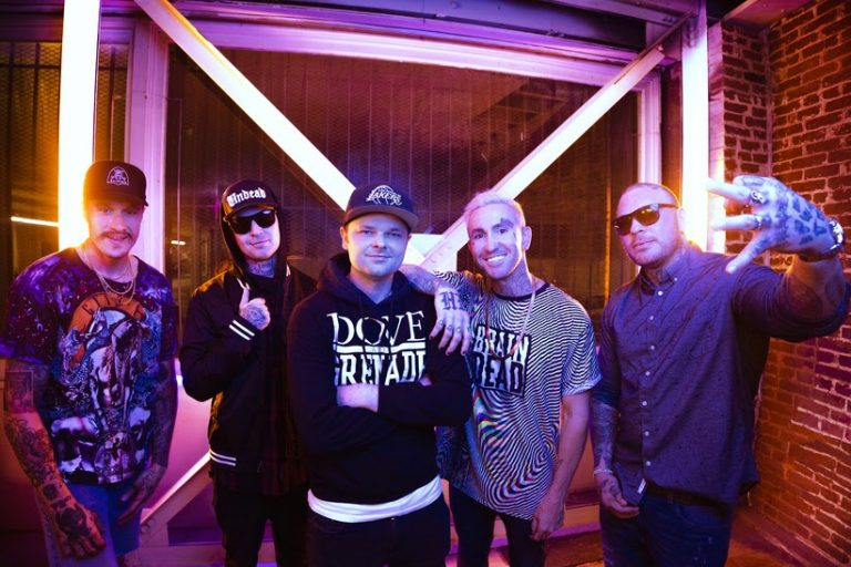 "Interview with Johnny 3 Tears of  Hollywood Undead ""I'm Not Your Idol"""